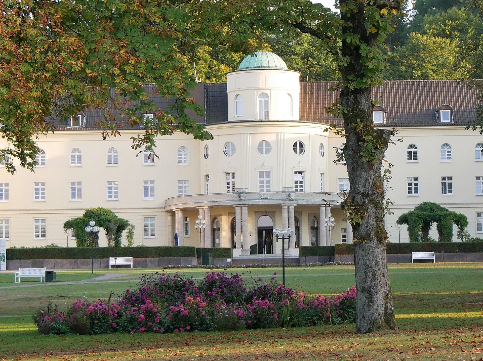 Bad Hermannsborn Kloster Und Ihre Garten Kloster Garten Route Radfahren Aktivitaten Kulturland Kreis Hoxter